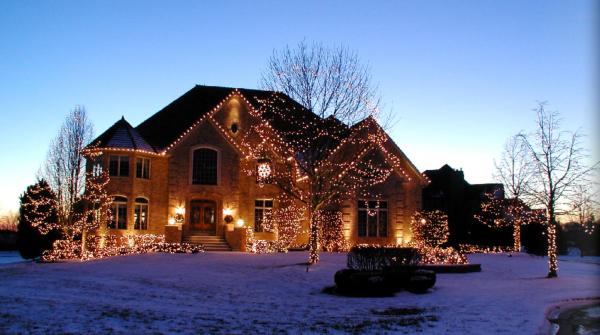 Holiday Lighting Display 28 resized 600