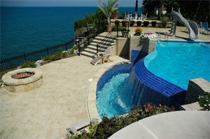 gunite infinity pool on lake erie shores