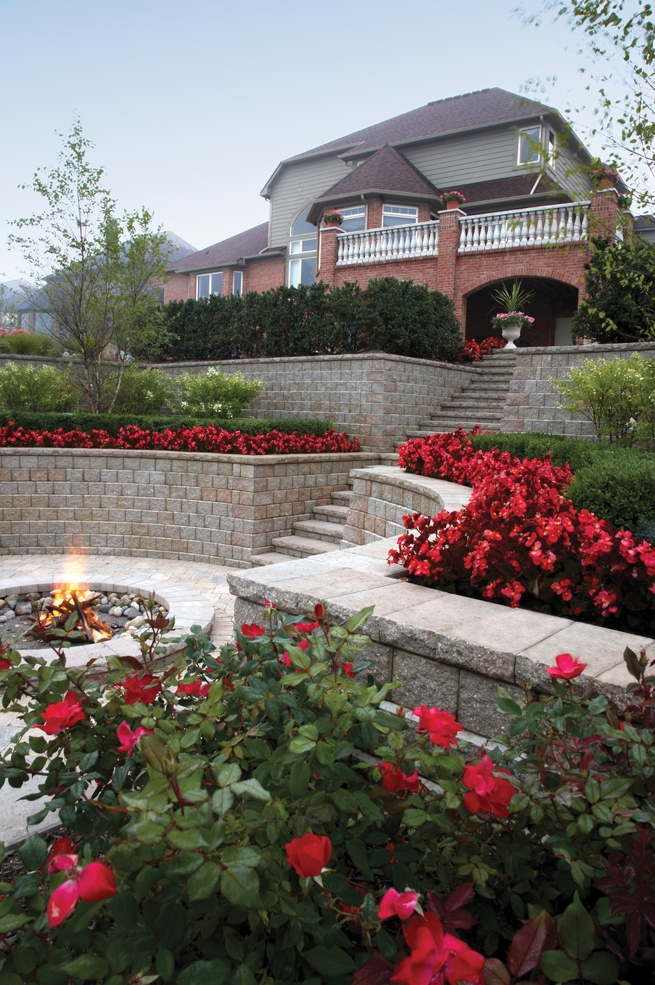 Pisa2_retaining_walls_and_fire_pit.jpg