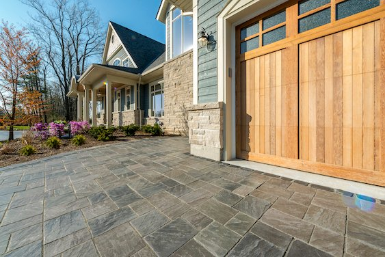 Richcliff-Unilock-patio-paver