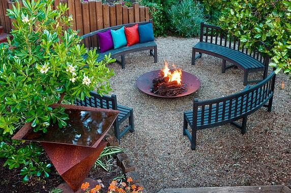 Outdoor Fire Pit Ideas For Your Backyard Space