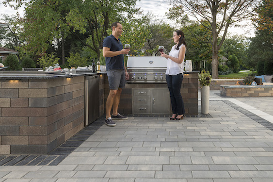 outdoor-kitchen-Unilock-pavers